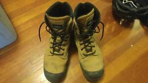 Aggressor steel toed boots (Size 9.5)