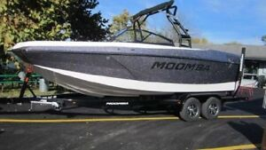 Huge wake ! Moomba Max is in stock now!