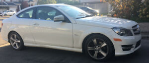 C250 Coupe Mercedes Benz 2012 - Classy look-Excellent condition