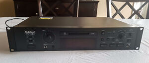 Tascam MD-350 Minidisc Professional Recorder/Player