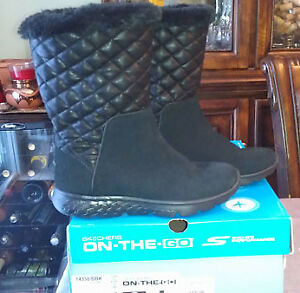 Winter Boots - Sketchers Size 6 **New**