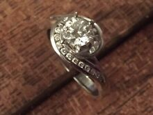 Stunning 18ct White gold engagement ring Swansea Heads Lake Macquarie Area Preview