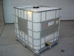 Steel Reinforced Water Tote (275gal.)
