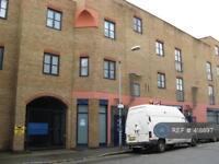 1 bedroom flat in Bentley Road, London, N1 (1 bed)