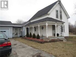 Great Starter Home! Close To Hospital! Public Transit!!