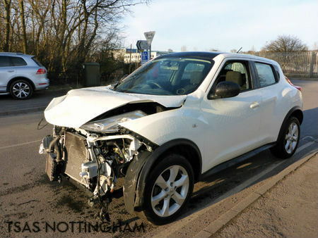 2013 nissan juke 1 5 dci 110 acenta white damaged salvage cat d in pinxton nottinghamshire. Black Bedroom Furniture Sets. Home Design Ideas
