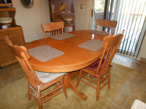 Oak Table & Chairs - Made in Canada