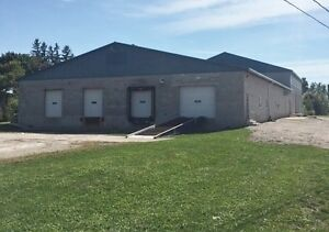 Centrally located in Fergus with easy access to Highway #6