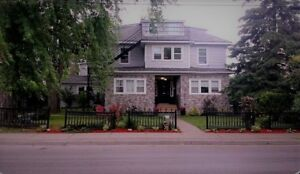 ~JANUARY PICTON DOWNTOWN $1095 all incl. SPACIOUS~