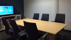 MEETING ROOMS: FULLY EQUIPPED AND AVAILABLE BY THE HOUR!
