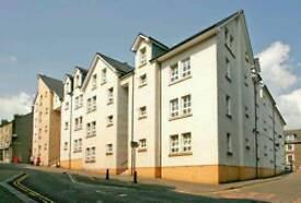 Central Stirling flat for rent