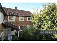 2 bedroom flat in Woodchurch, Wirral , CH49 (2 bed)