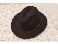 ALDO Black Hat [Collection Only]