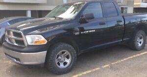 Clean 2012 Dodge Ram 1500 5.7 Hemi on Mickey's ((Under 100k))