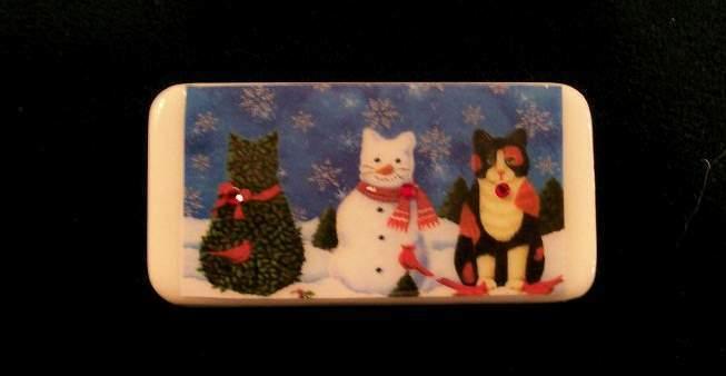 SNOW CATS PIN - VINTAGE DOMINO POSTCARD DESIGN