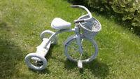tricycle 3 roues d'enfant  pour décoration $15.00