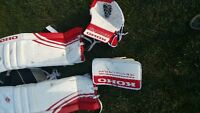 Sr goalie pads with matching gloves