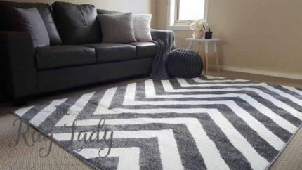 BRAND NEW!! Extra Large Grey Chevron Design Floor Rug