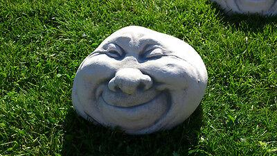 """Gartenfiguren, Skulpturen, Steinkopf """"Gesicht zwinkernd"""" Steinguss, Gartendeko"""