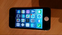 iPhone 4S 16GB Black & White Great condition Fido