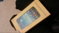 Samsung galaxy mega in great condition with original box/charger