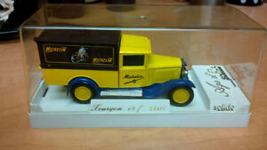 MICHELIN DIECAST DELIVERY TRUCK