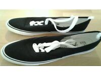 Sand shoes Navy SOLD