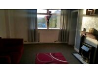 TWO BEDROOM FLAT FOR RENT.BOTTOM FLOOR.WITH GARDEN AND BACK GARDEN.ON SOUTH ANDERSON DRIVE