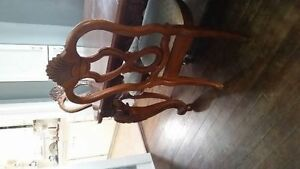 price reduced Hand Carved Solid Walnut Dining Table & 6 chairs Edmonton Edmonton Area image 2