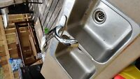 Stainless steel sink with pull-out faucet