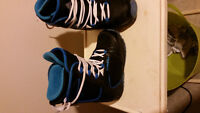 Young boys snowboarding gear like new