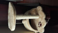Carpeted Cat Scratching Post