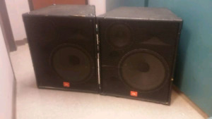 JBL SPEAKERS  800$ FOR 2       4 available