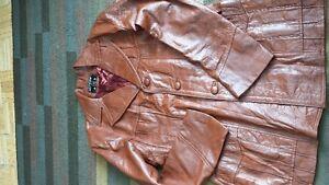 Lot#212-Vintage-Allica-Sz 46-Brown SOFT Leather 3/4 Length Coat Strathcona County Edmonton Area image 9