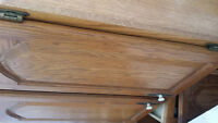 Oak Cainets: Great condition