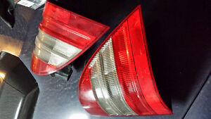 1999 MERCEDES ML 320 TAIL LIGHTS: LUMIERE ARIERRE