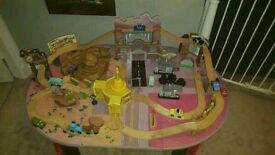 Radiator Springs wooden play track and table