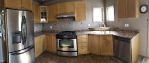 Full Used Kitchen Cupboards with Countertop and Appliances