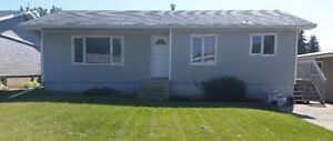 Bungalow w/garage PROVOST,Ab **seller financing