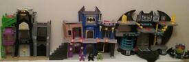 IMAGINEXT BATMAN PLAYSET BUNDLE GOTHAM CITY FLIGHT CITY AND BATCAVE WITH FIGURES