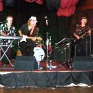Guitar player  singer looking for jam / band Kitchener / Waterloo Kitchener Area image 2