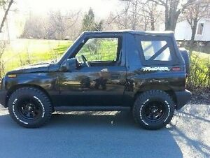 1997 Geo Tracker Coupe (2 door)