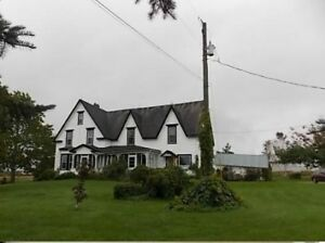 3 bedroom farmhouse/duplex - All included