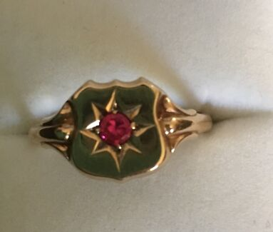 9ct Gold Men or Women's Ruby Ring