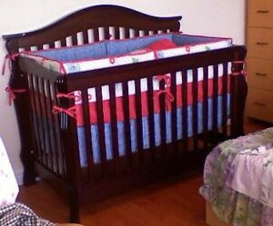 Wood baby crib with mattress and crib bumper set
