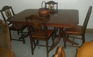 Vintage table and 4 antique chairs with leather seats