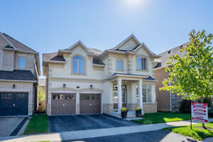 4 bedroom detached house in Burlington