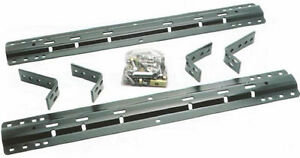 Reese fifth wheel bars, under kit and hardware.