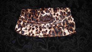 Guess Leopard Print Clutch Purse (Pristine Condition) Cambridge Kitchener Area image 1