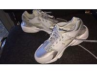 Nike huaraches silver/grey size 3